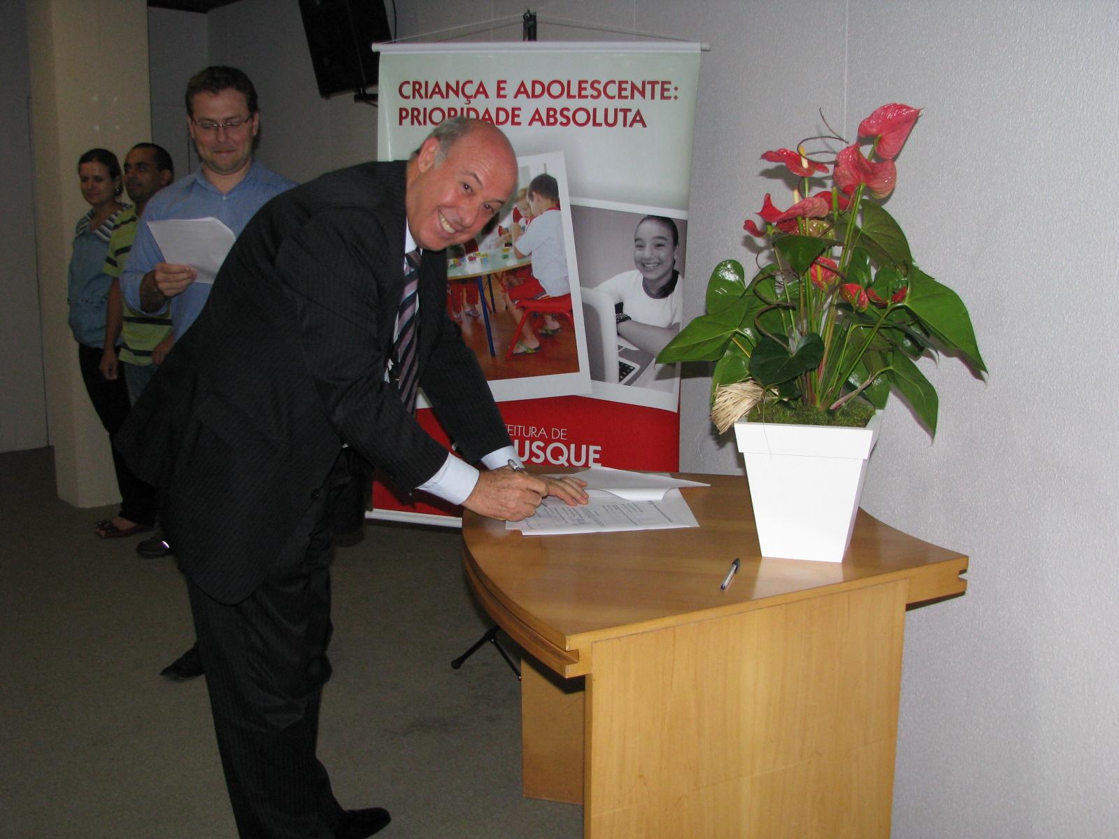Professor da Unifebe é membro de Conselho Municipal