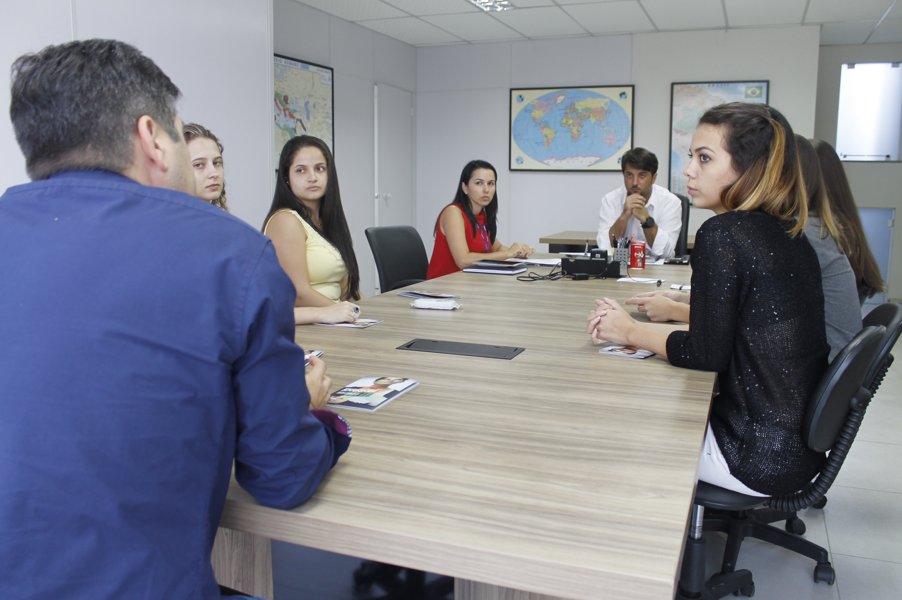 Representantes de Design de Moda se reúnem com secretário de Desenvolvimento Regional