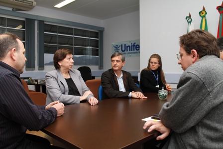 Unifebe estreita laços com Sindicato dos Contabilistas