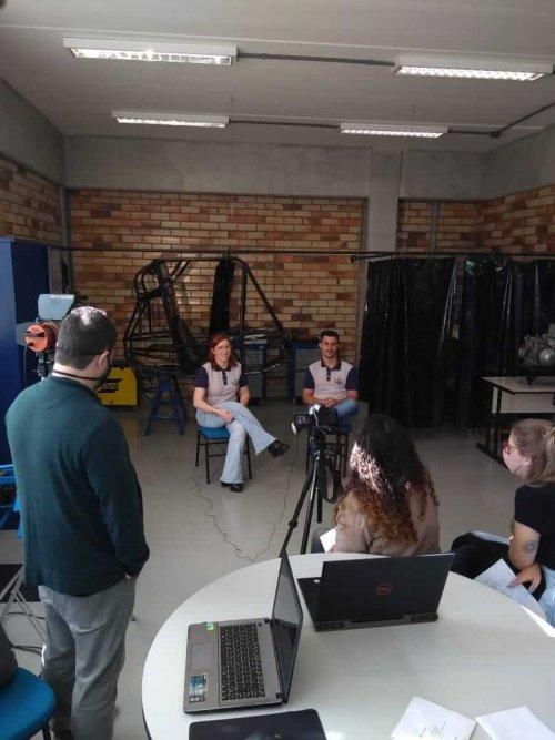 Bastidores do projeto Baja Pelznickel é tema de série audiovisual produzida por acadêmicos de Design Gráfico