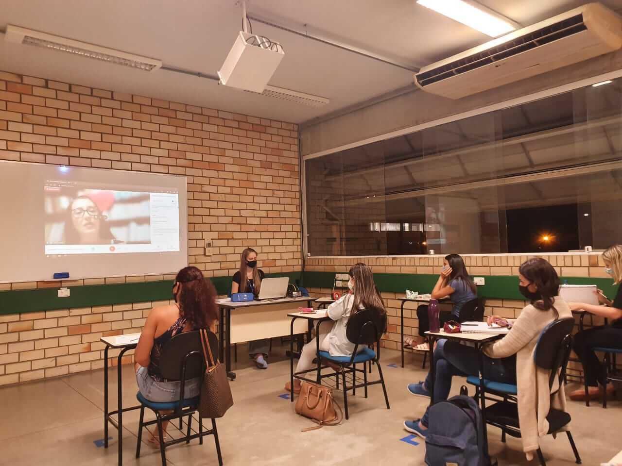 Avaliação interna e externa e sua aplicabilidade na aprendizagem é tema de palestra promovida pelo curso de Pedagogia
