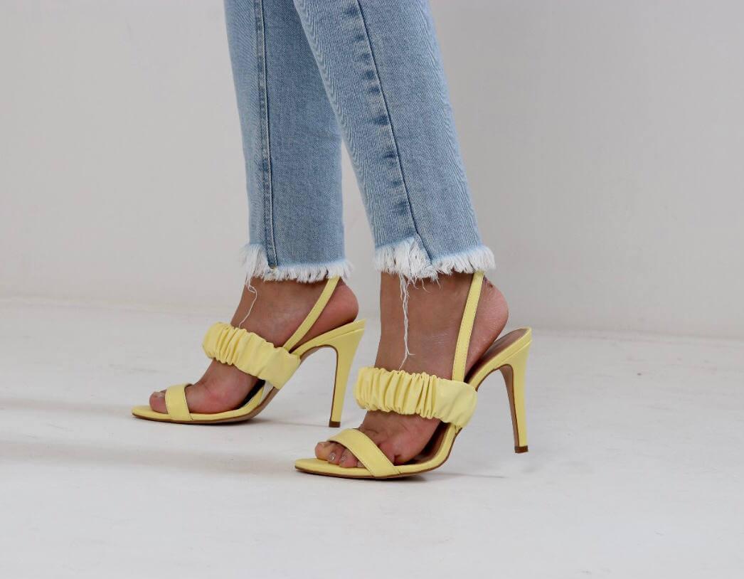 Design de Moda UNIFEBE desenvolve linha de calçados em parceria com a empresa Lia Line de Nova Trento